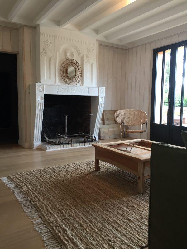 Maison de Vacances – Salon côté cheminée